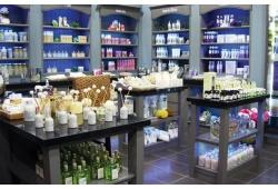 Mở cửa hàng mỹ phẩm cần những gì?